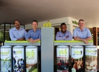 Pictured from the left is Deon van der Ross (VKB's Executive Manager: Corporate Marketing and Retail), Kobus Louwrens and Ivor Price (the founders of Food For Mzansi) and Francois Swanepoel (Executive Director: VKB Landbou Vrystaat).