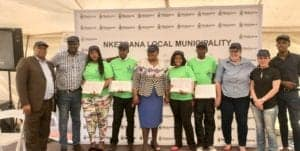 Certificates handovers to four representatives of the 100 emerging farmers trainees.