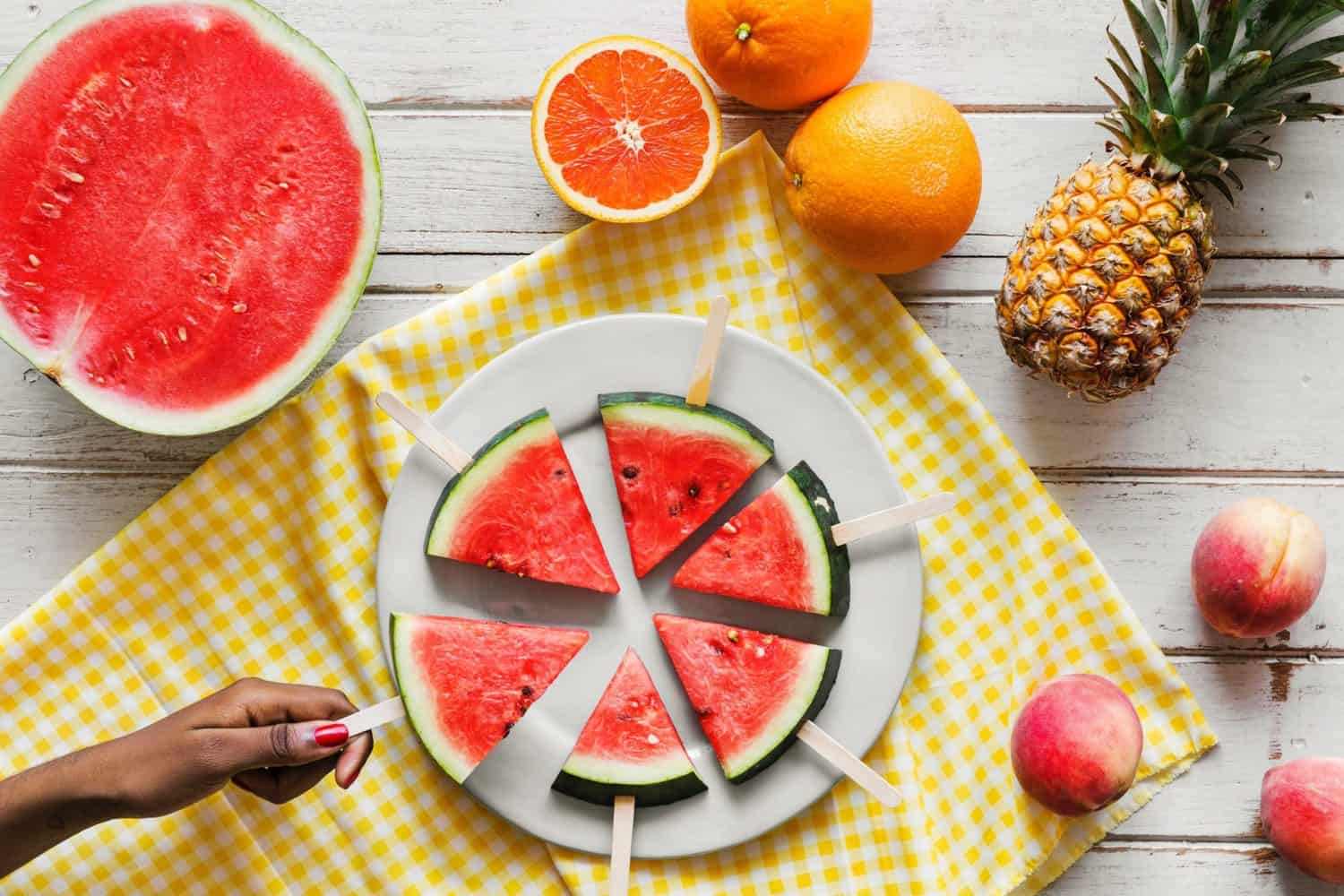 With heatwaves scorching South Africa, it's easy to lose body fluids. So stay hydrated with these 10 water-rich fruits and veggies.