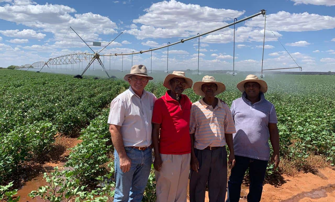Nantie Fourie (GWK mentor) with farmers in the Taung area, North West.