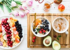 Food For Mzansi's resident nutritionist Andrea Du Plessis breaks down the benefits of raw foods and why many processed foods are unhealthy.