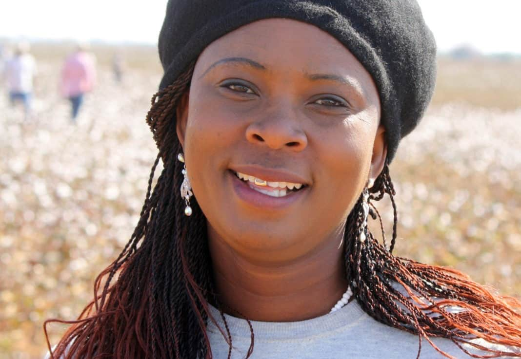 Despite challenges and hardship, 38 year old Maria Swele broke the mold to become an award-winning cotton farmer.