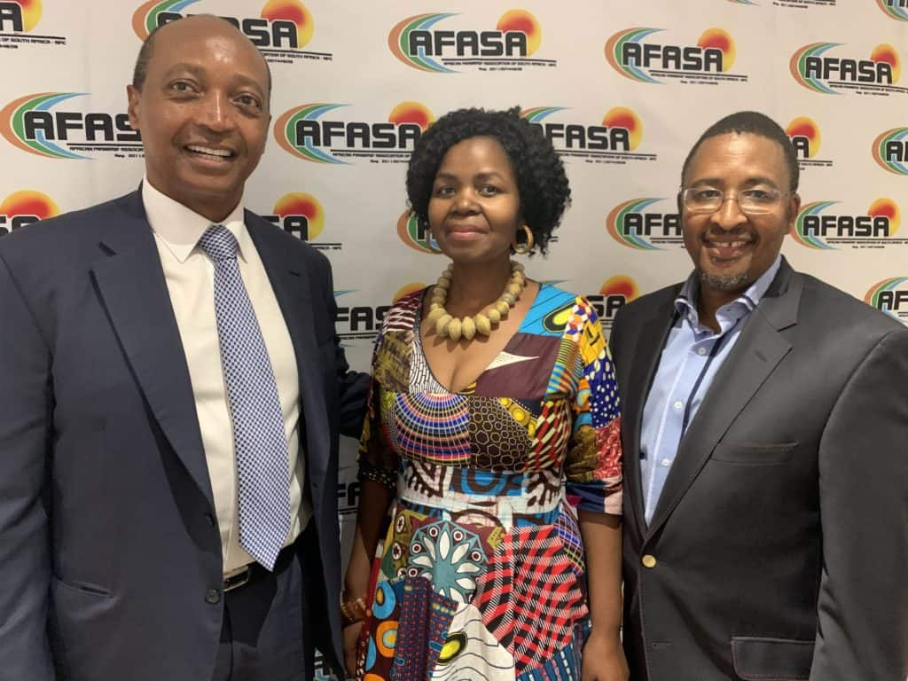 MOTSEPE: Moments before Dr Patrice Motsepe, the founder and executive chairman of African Rainbow Minerals, announced a multi-billion rand fund for black farmers. He is pictured with the late AFASA president Dr Vuyo Mahlati and chairperson Neo Masithela. Photo: Food For Mzansi