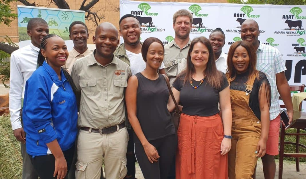 Farmers and the ANAT (Amara Neema Agritech) founders pictured at the youth-led farmers Indaba in Sasolburg in the Free State.(Front Row) Faith Ntleletsi, Moketi Mantoro, Ruth Mokoena, Lienkie Vogel, Seloane Tsimane,, (Back) Thabo Khoadi, Lebohang Mthembu, Simphiwe Kahla, Riaan Els, Lerato Moshanyana and Sabata Segobo.