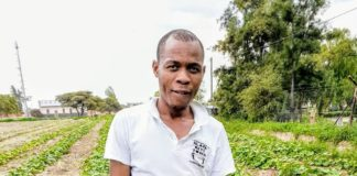 On communal land in the village of Ga-Mathapo, Limpopo, Arthur Matlala (30) produces more than 20 000 butternuts per year. But his success came at a price.