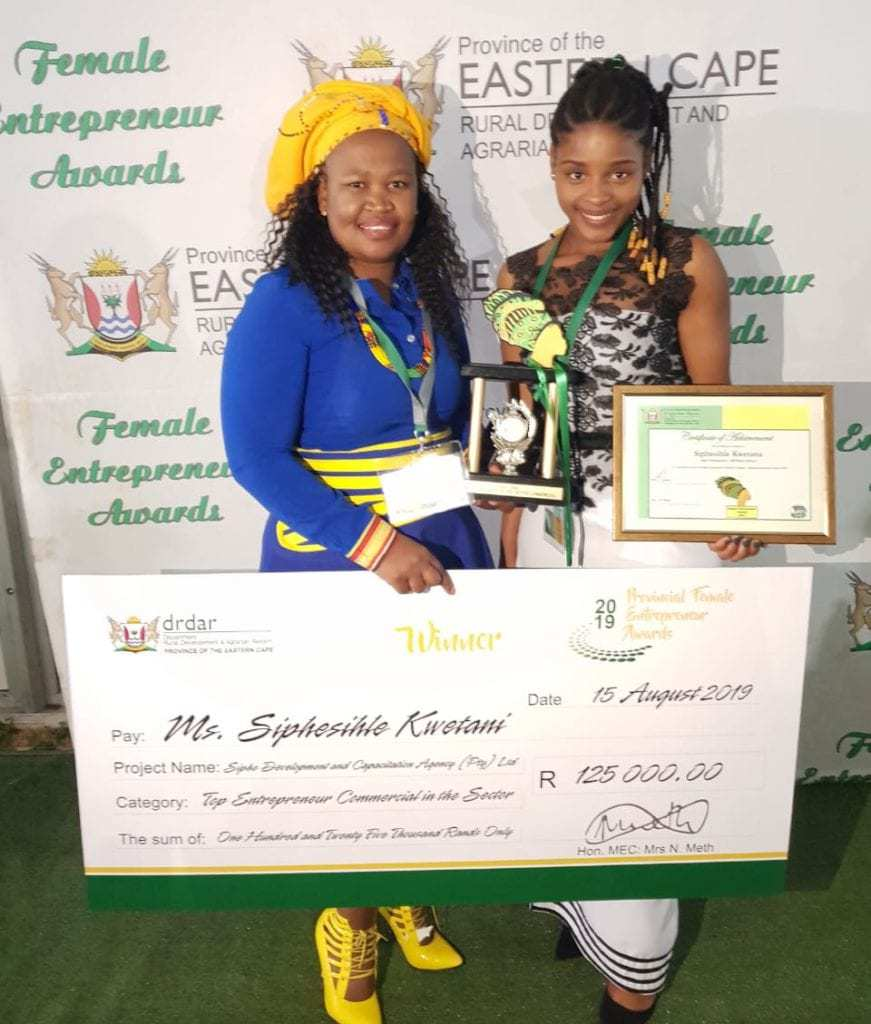 Siphesihle Kwetana and Anelisa Makhalima at the Department of Rural Development and Agrarian Reform, Provincial Female Entrepreneur Awards ceremony this year.