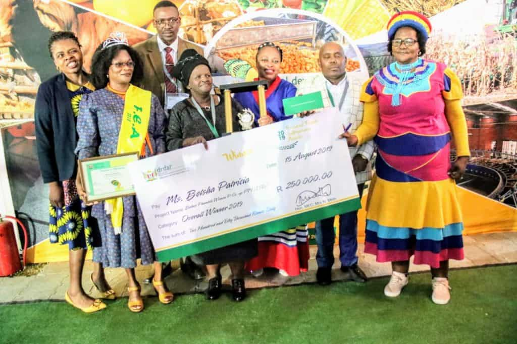 Chicken farming enterprise in the Eastern Cape collecting their cash prize of R250 000 at the Eastern Cape Department of Rural Development and Agrarian Reform Female Entrepreneurship Awards.