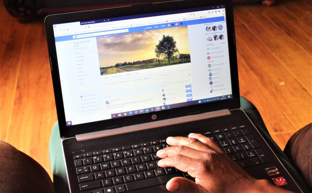Thousands of farmers in South Africa have joined a Facebook farmers group to sell their produce online.