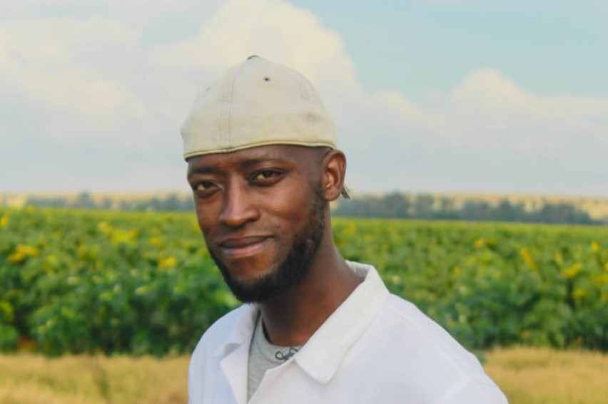 "Thapelo Phiri is one of earth's ""groundkeepers"". As an organic fertiliser specialists, he helps crop farmers get the most out of the land they farm on."
