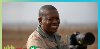In this weeks episode of Vir die liefde van die land, we meet , Petrus Tsotetsi, a hard-working farmer who believes that working together is key in his success. Photos: Wyrd Films.