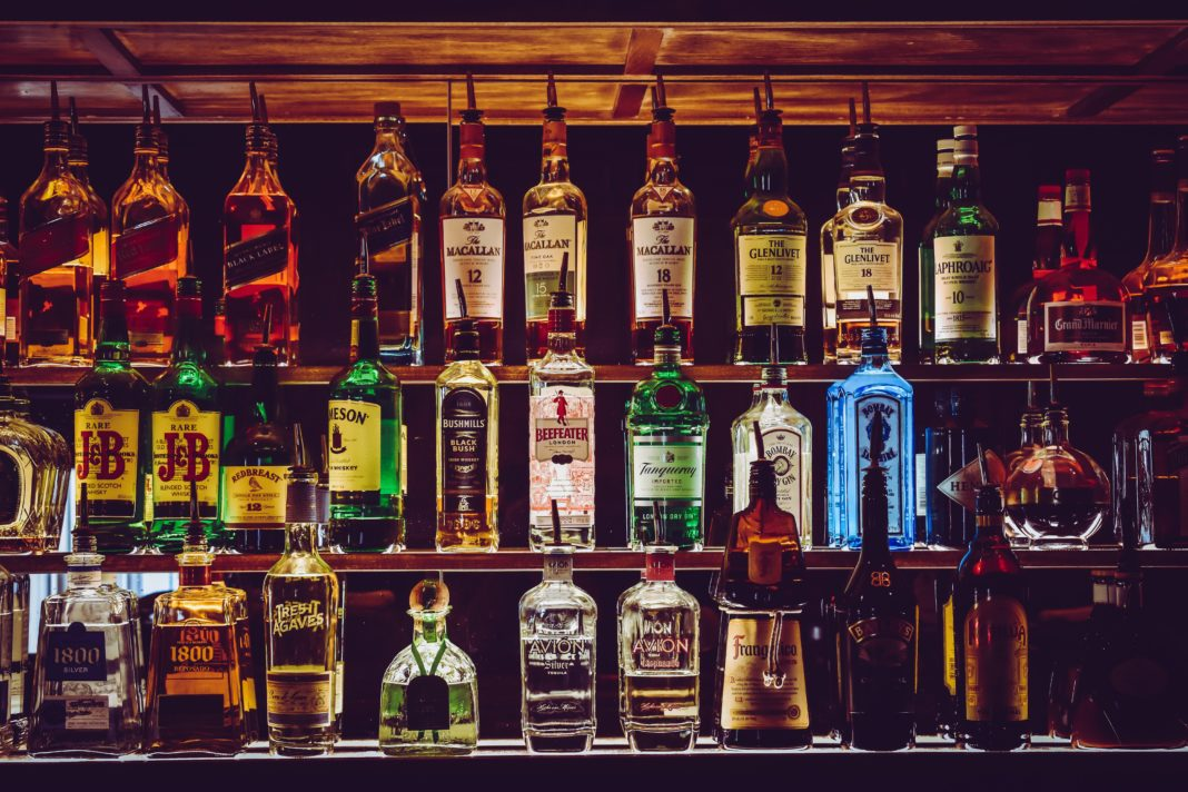 The South African alcohol industry cuts off supplies to traders flouting the regulations. Photo: Pexels.