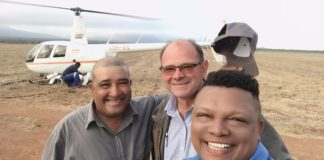 "On the season finale of ""Vir die liefde van die land"" presenters Ivor Price and Piet Potgieter travel to Limpopo to meet farmer Aldrin Lawrence (on the left). Photo: Food For Mzansi"