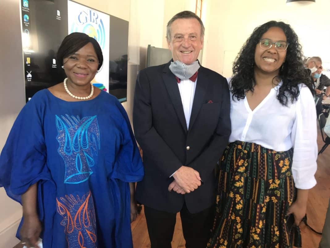 Stellenbosch University law professor Thuli Madonsela, prof. Erwin Schwella from the Hugenote Kollege School of Social Innovation and Food For Mzansi editor: audience and engagement, Dawn Noemdoe: Photo: Food For Mzansi