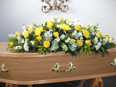 As the death toll from Covid-19 rises in South Africa, the price of flower bouquets and wreaths for funerals have skyrocketed. Photo: Supplied