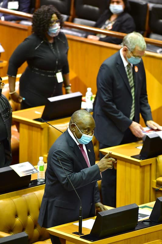 Ramaphosa gives finance minister Tito Mboweni a thumbs-up ahead of his budget speech. Photo: GCIS/Flickr
