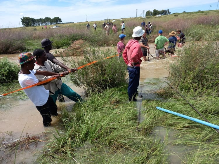 Shocked farmers and workers tried their best to save seven children who died after a farm drowning in the Free State. Photo: Supplied/Kobus Joubert