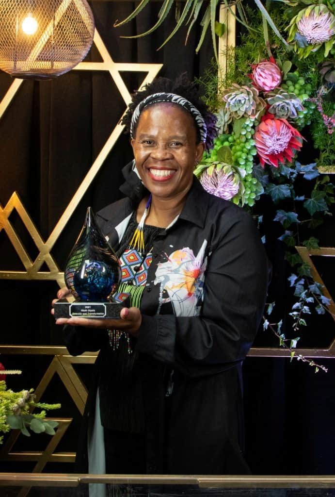 Pioneer winemaker Ntsiki Biyela received the Diversity and Transformation Award at the annual Wine Harvest Commemoration. Photo: Supplied/Food For Mzansi