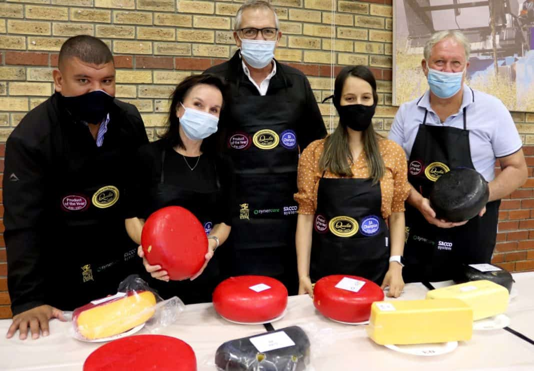 Breyton Milford (operations manager of Agri-Expo), Marlene van der Westhuizen (judge and celebrity chef), Johan Ehlers (CEO of Agri-Expo), Yumna Seedat (novice judge and product developer at Woolworths) and Alan Fourie (chief judge) at the 2021 SA Dairy Championships. Photo: Supplied/Food For Mzansi