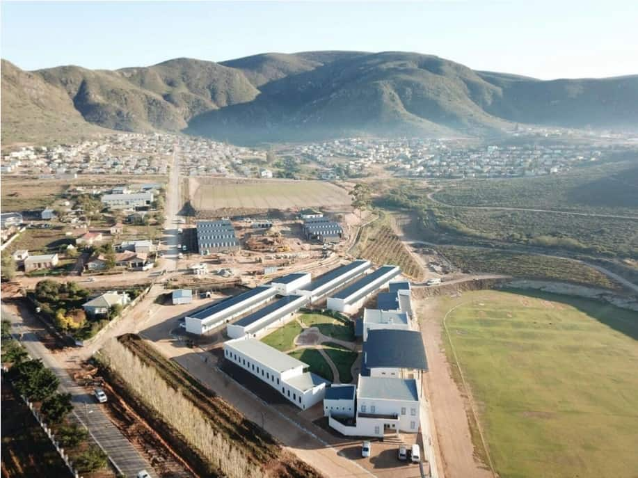 Jakes Gerwel Technical High School in Bonnievale in the Western Cape was built in less than a year. Weltevrede wine farmer Philip Jonker played an instrumental role in this initiative. Photo: Supplied/Food For Mzansi