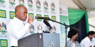 KwaZulu-Natal premier Sihle Zikalala has told farming communities that he supports their call for a commission of inquiry to investigate tension between farmers, farmworkers and tenant farmers in the province. Photo: Supplied/Food For Mzansi