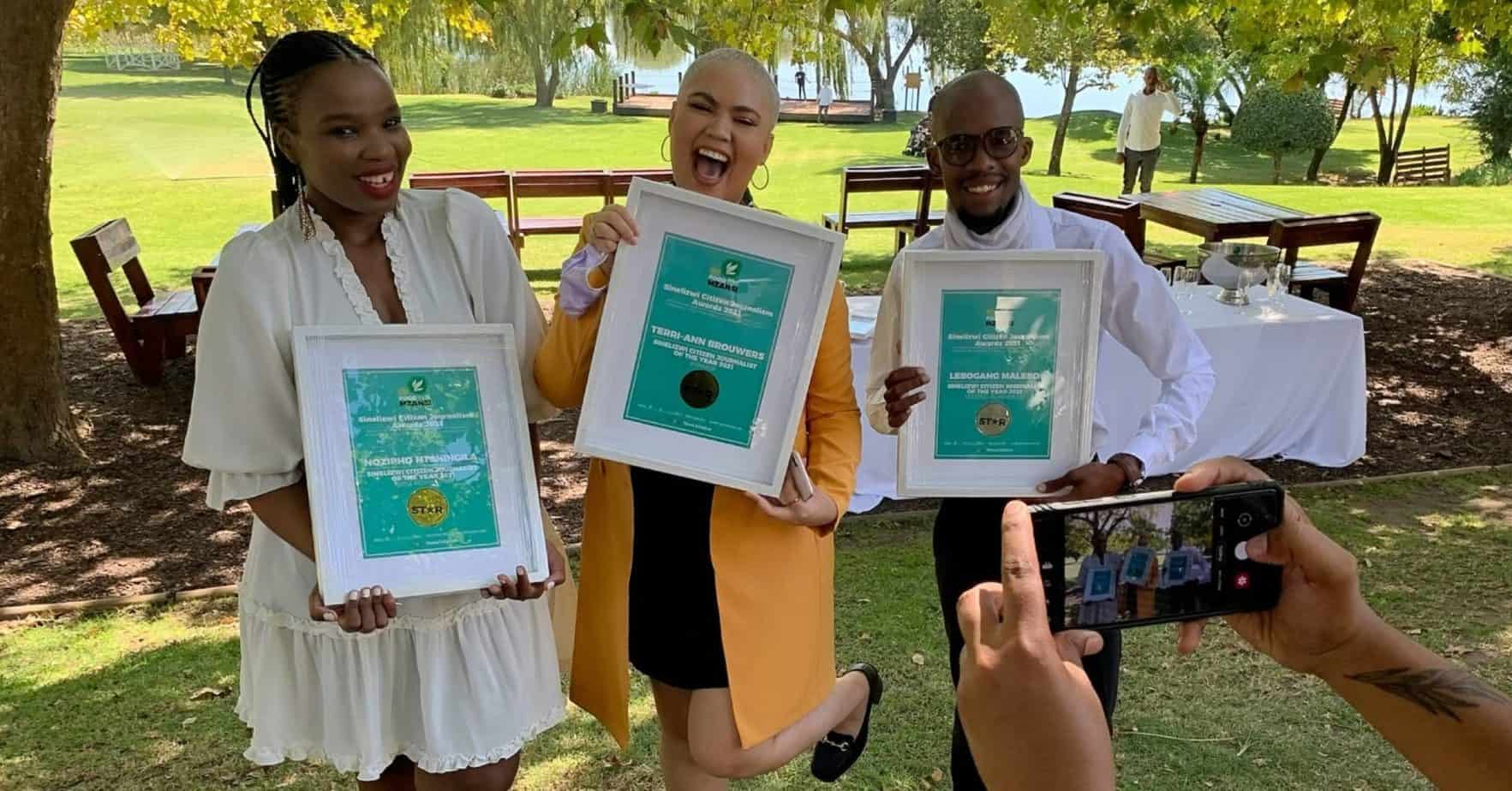 South Africa, meet the top three performers in the Sinelizwi Citizen Journalist of the Year awards. From the left are Nozipho Ntshingila (first runner-up), Gugulethu Mahlangu (winner) and Lebogang Malebo (second runner-up). Photo: Food For Mzansi