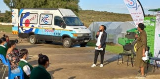 Bandile Xhosa of KC 107.7 and Dawn Noemdoe of Food For Mzansi hosted a special Youth Month celebration in Saron in the Western Cape. Photo: Supplied/Gavin Meiring