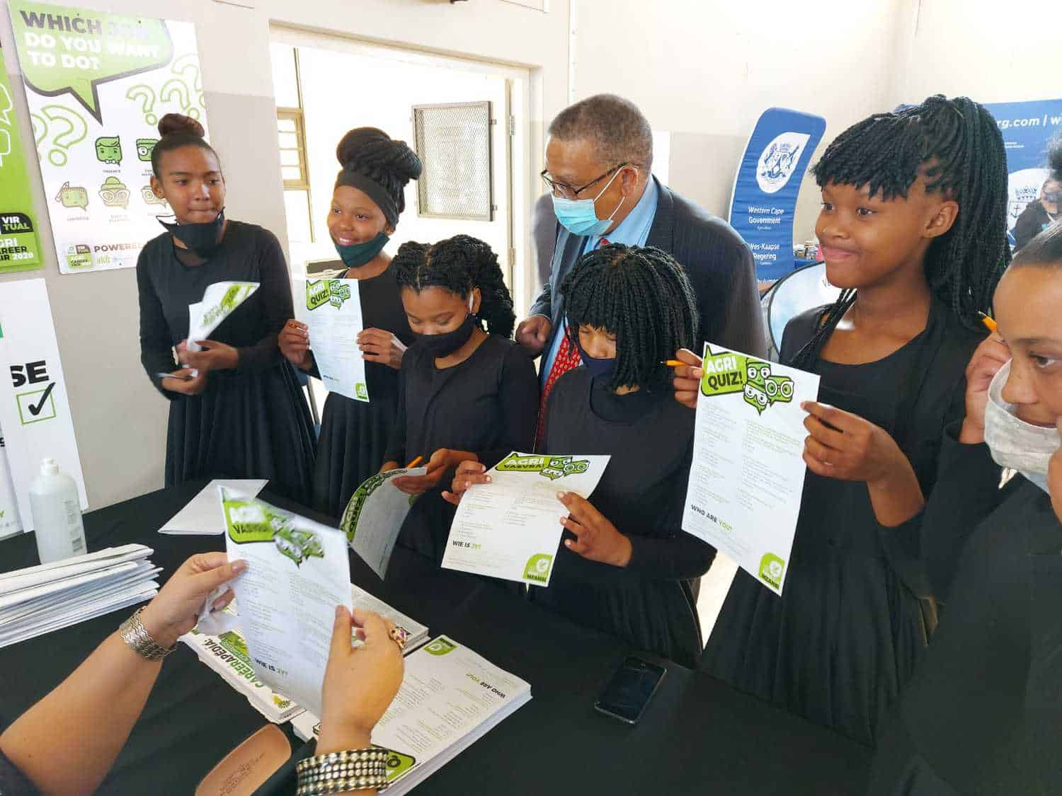 Western Cape agriculture minister Dr Ivan Meyer interacting with learners at Food For Mzansi's stand at the provincial government's career expo. Photo: Supplied/Food For Mzansi