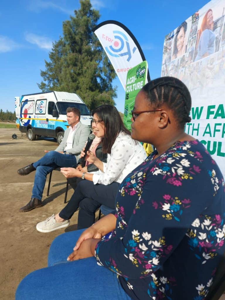 Monika Basson (holding the microphone) telling learners about the many study opportunities at Stellenbosch University's faculty for agrisciences. Photo: Dawn Noemdoe/Food For Mzansi