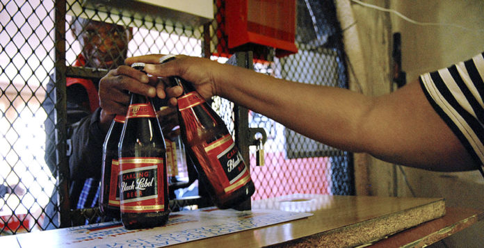 The Covid-19 alcohol sales bans have not only injured the alcohol industry, but also the Mzansi economy. Photo: Naashon Zalk/Bloomberg via Getty Images