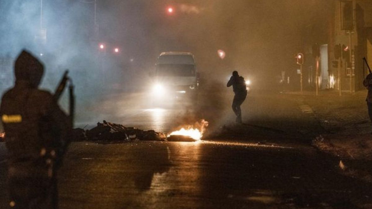 South Africa is facing unrest on a scale that has been rarely seen since the birth of democracy in 1994. Photo: Marco Longari/AFP/Getty Images