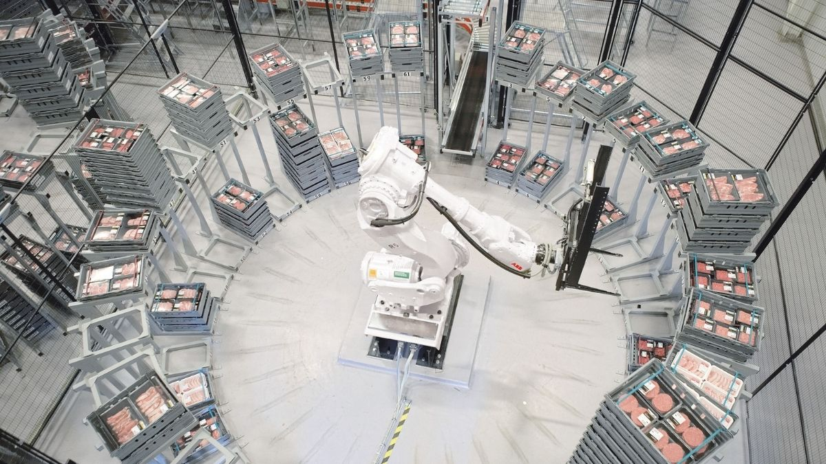 The South African food and beverage industry is lagging the rest of the world in implementing robotics, argues ABB South Africa. Photo: Supplied/Food For Mzansi