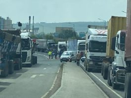 Truck drivers have started a protest on the N3 highway near Harrismith. The protest has been causing extensive traffic backlogs between Montrose and Harrismith, as well as delays northbound towards Gauteng at Tugela Plaza. Photo: Supplied/ Jack Armour